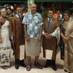 Präsident Ratu Epeli Nailatikau (Mitte) bei einer Verabschiedungsfeier für Absolventen der University of the South Pacific.