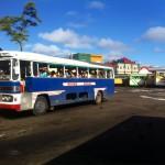 Die uralten Busse fahren auf zahlreichen Linien durch die Stadt. Doch wohl nur Einheimische kennen den Netzplan.