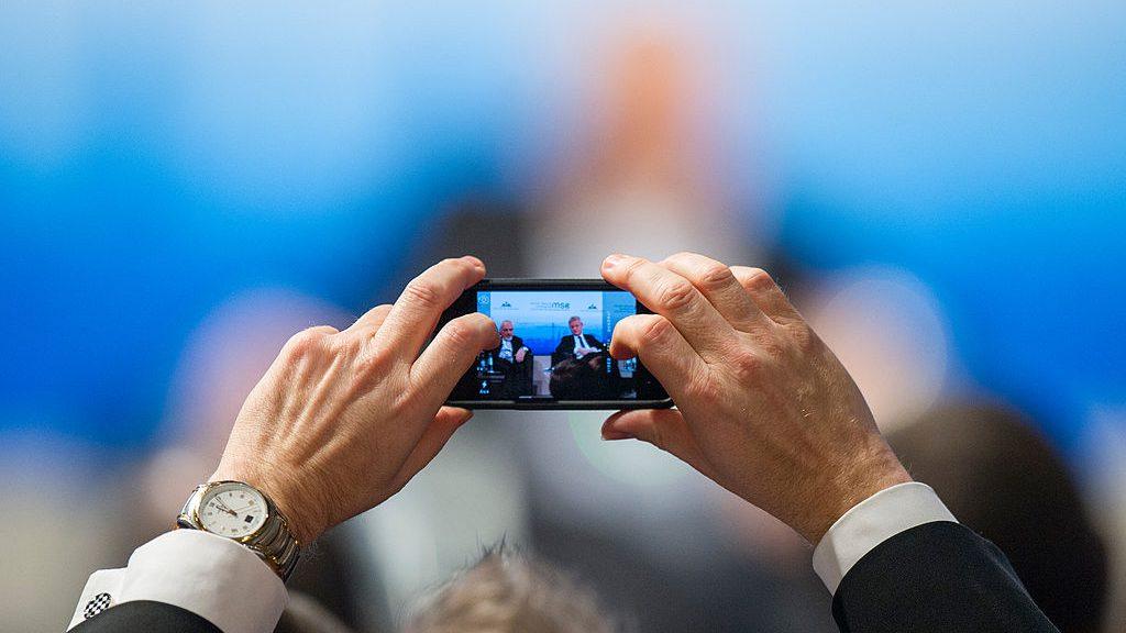 Bild: Mueller / MSC, MSC 2014 Smartphone-Audience Mueller MSC2014, CC BY 3.0 DE
